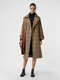 Burberry Vintage Check Cotton Trench Coat in Antiq