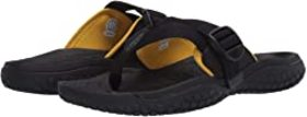 KEEN KEEN - Solr Toe Post. Color Black/Gold. On sa