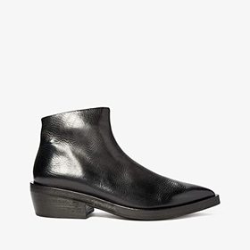 Marsell Marsell - Pointed Toe Ankle Boot. Color Bl