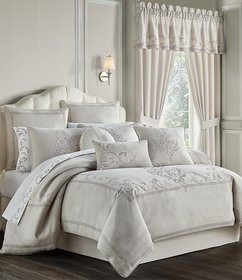 J. Queen New York Angeline Embroidered Comforter S