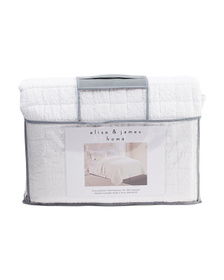ELISE AND JAMES Box Puckered Quilt Set
