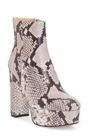 Vince Camuto Leslieon Square Toe Platform Boot