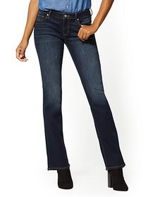 Mid-Rise Curvy Bootcut Jeans - New York & Company