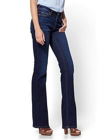 Petite Mid-Rise Curvy Bootcut Jeans - New York & C