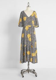 ModCloth ModCloth Plant One On Me Midi Dress in Bl