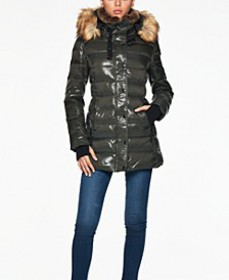 Chelsea High-Shine Faux-Fur-Trim Hooded Down Puffe