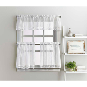 Delicate Lace Tier and Valance Set