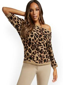 Leopard-Print Easy Dolman Sweater - New York & Com