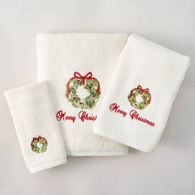 Avanti Merry Christmas Wreath Bath Towel Collectio