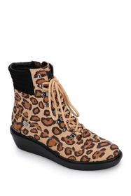 Kenneth Cole Reaction Rhyme Hiker Leopard Print La
