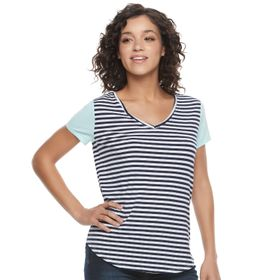 Juniors' SO® Short Sleeve V-Neck Tee