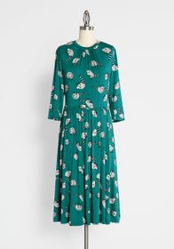 ModCloth ModCloth Print Appeal Midi Dress in Green