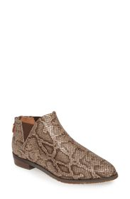 GENTLE SOULS BY KENNETH COLE Neptune Chelsea Booti